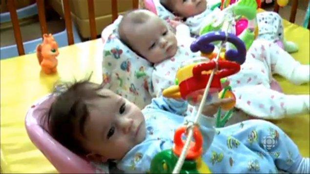 131023_5u05k_rci-babies-adoption_sn635